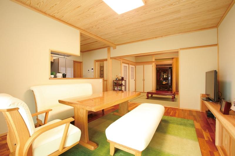 【相川工務店】<br>気候風土に根ざした伝統技術と<br>素材の良さを実感する住まい