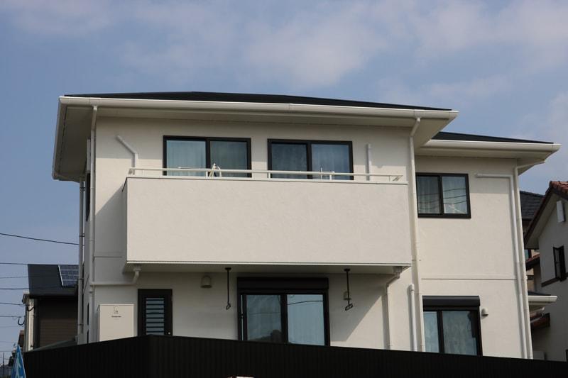 【玉木建設】<br>テクノビームで叶う大空間と<br>家族を地震から守る安心の家