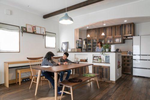 【インデュアホーム】<br>カフェのように居心地良さ満点な<br>本格プロヴァンス風の佇まい