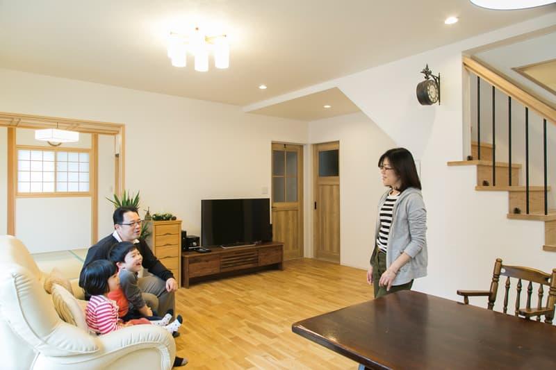 【喜々津ホーム】<br>家族の生活を健やかにする<br>自然素材の優しい家