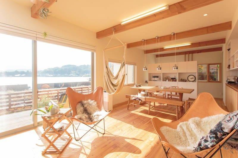 【kuriyaの家】<br>朝から次の休日が待ち遠しい<br>頼れるギアに囲まれた海辺の家