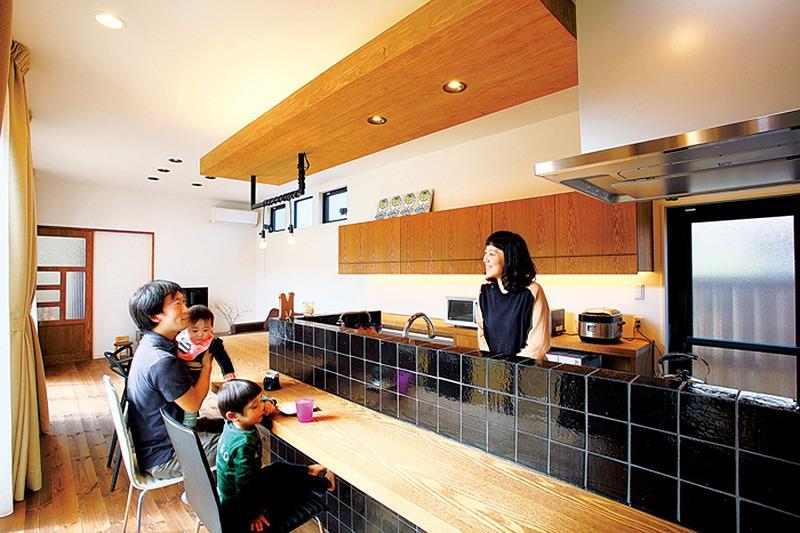 【DesignWorks 池下建設】<br>お洒落な温故知新デザインに<br>心地良さを集めた現代的住まい