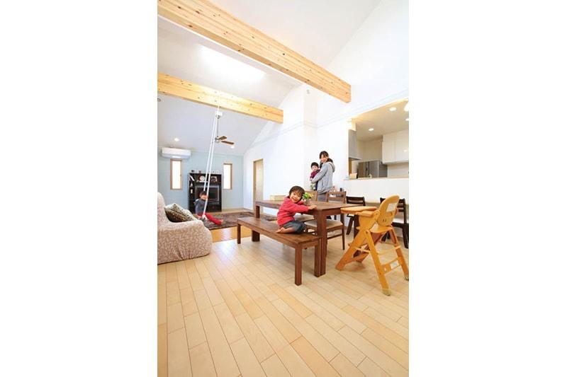 【玉木建設】<br>家族でくつろげる<br>重厚感あふれる住まい